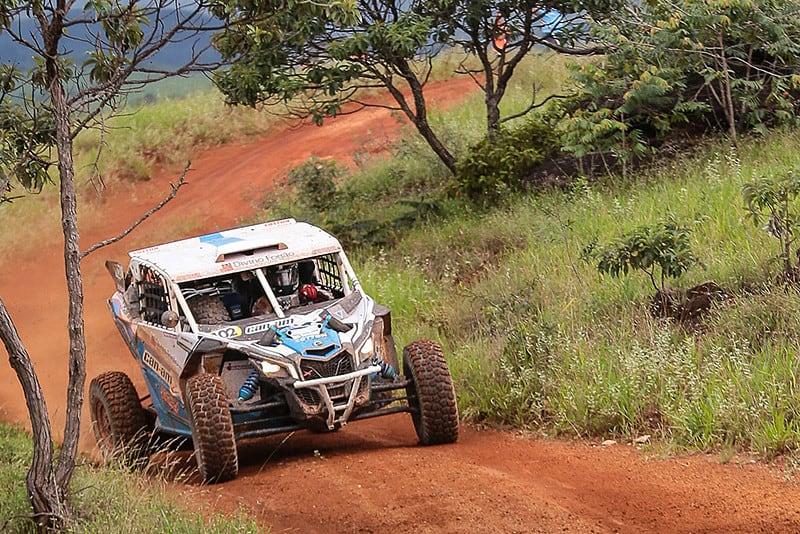 Rodrigo Varela acelerou forte e venceu o equilibradíssimo Rally Minas Brasil, abertura do Brasileiro de Rally Baja. Foto: Douglas Fagundes/DFotos