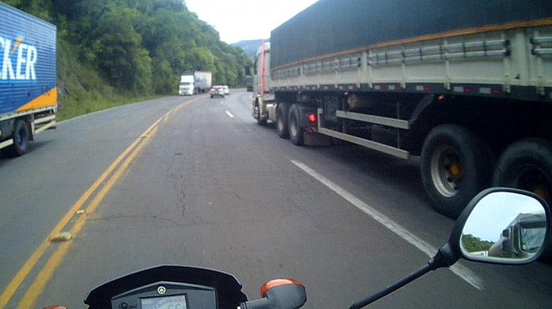 Caminhões e mais caminhões