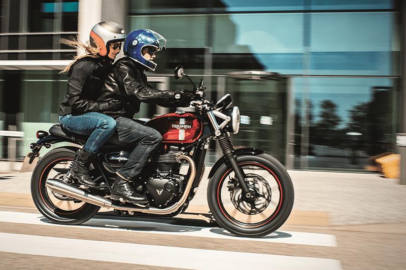 Promovido pela Triumph, Classic Brit Riders quer levar motos clássicas para desfilar por São Paulo no próximo sábado, dia 21 de abril