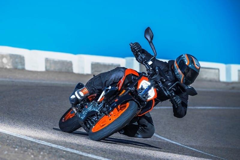 Esportividade é a palavra que define a nova KTM 390 DUKE
