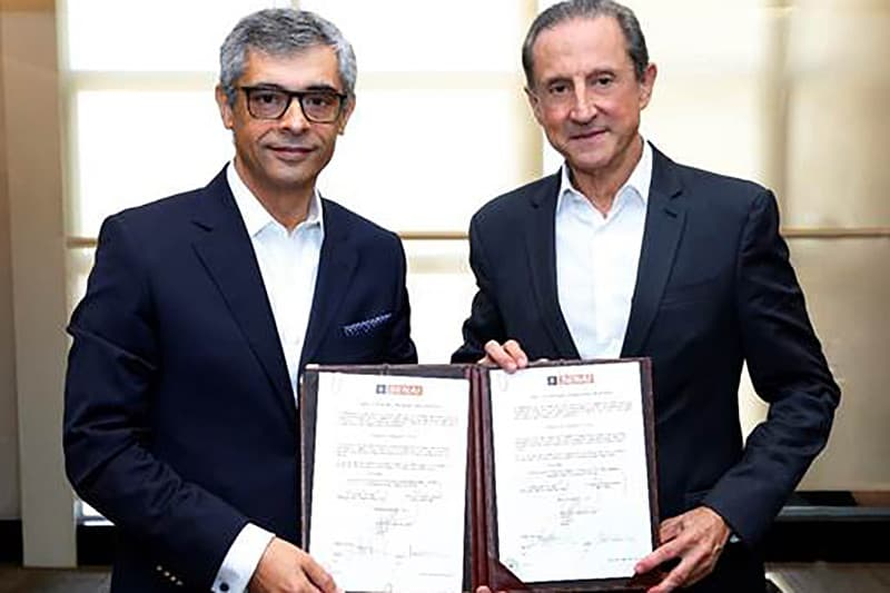 Helder Boavida, presidente e CEO do BMW Group Brasil, e Paulo Skaf, presidente do SESI e SENAI-SP