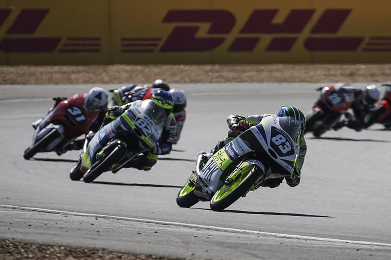 Meikon largou em 34º e concluiu a prova na 15ª colocação, conquistando seu primeiro ponto em sua temporada de estreia na Moto3 do Europeu de Motovelocidade - Foto: Team LaGlisse