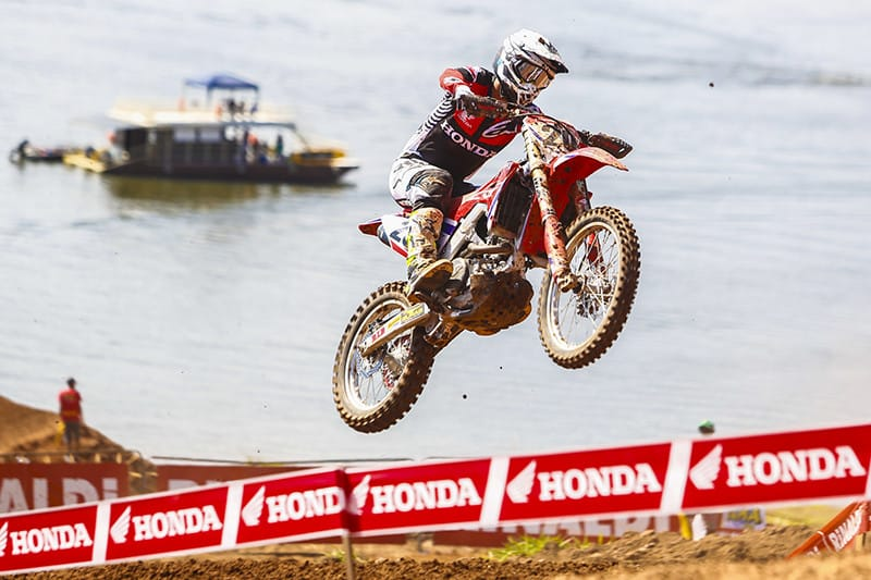 Jetro Salazar, da Honda Racing, segue líder na categoria Elite - Foto: William Lucas/Mundo Press