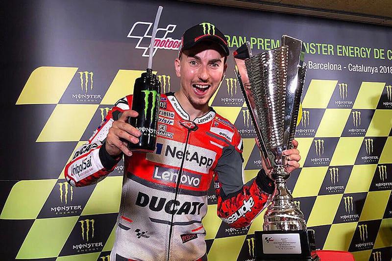 Demorou mais de 20 corridas, mas Lorenzo enfim dominou a Ducati. Piloto obteve segunda vitória consecutiva pela MotoGP e esteve à frente até de Marc Márquez, seu colega de equipe na Honda em 2019
