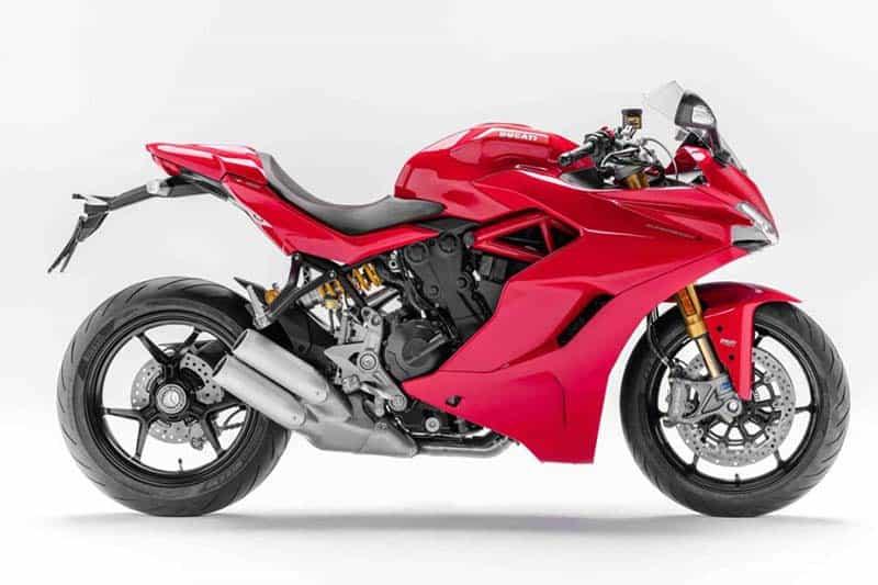 Esportividade no design e nos 'mimos', como suspensão ajustável e câmbio Ducati Quick Shift. Preço sugerido é de R$ 63.900,00