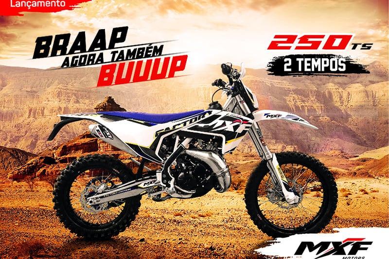 Material publicitário da MXF 250 TS 2019, primeira moto 2 tempos de média cilindrada da marca brasileira