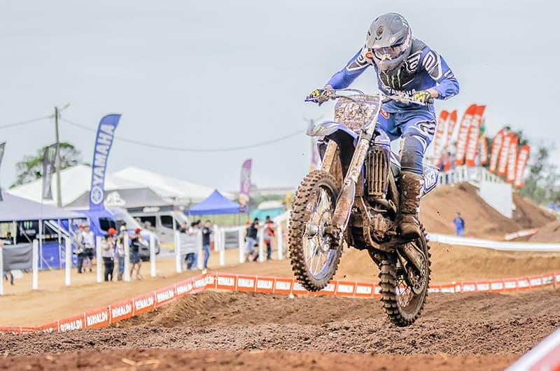 Tallys Nathan lidera a MX2JR, pela Yamaha