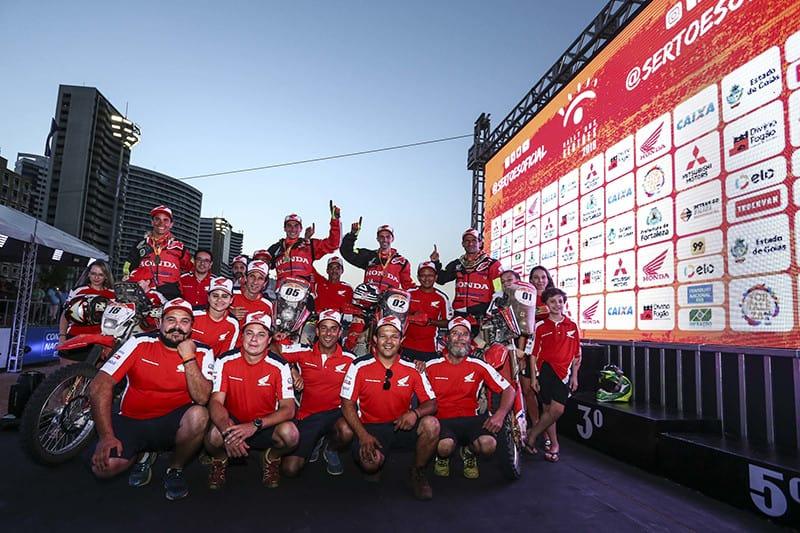 O título mudou de piloto, mas não de casa. Equipe Honda Racing detém os últimos quatro títulos do Sertões – Foto: Marcelo Machado de Melo/FOTOP/Mundo Press