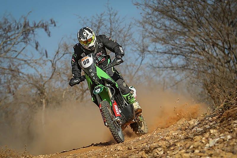 Com uma Kawasaki KLX 450R, Tulio Malta garantiu seu lugar no top5 do Rally dos Sertões