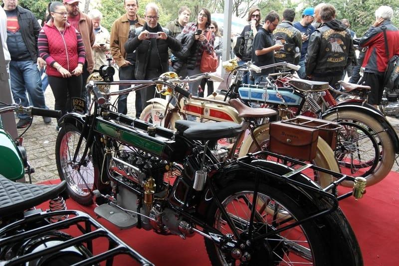 Exposição atraiu 4.500 pessoas fãs de motos antigas