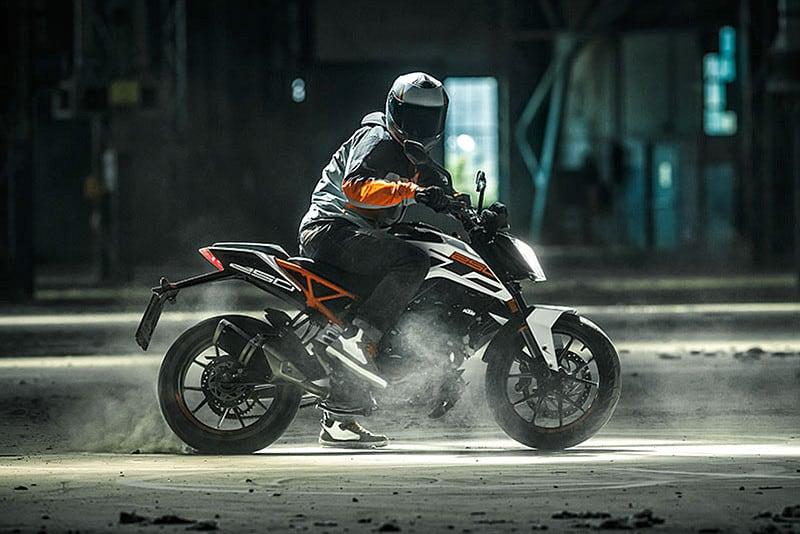 KTM 250 DUKE está disponível em vários países da América do Sul, como Argentina, Peru e Uruguai. Modelo promete ser ainda mais divertido que a 200 DUKE