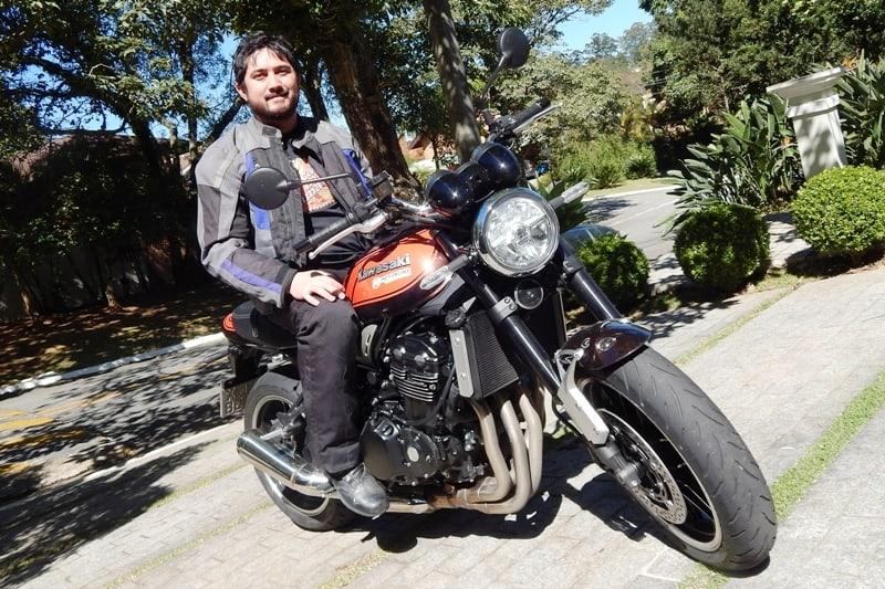 Rock: Surpresa com a agilidade e o conforto da moto