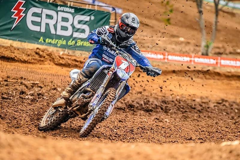 Carlos Campano busca o quinto título no Brasileiro de Motocross. Espanhol lidera classe MX1 e é o segundo na Elite MX