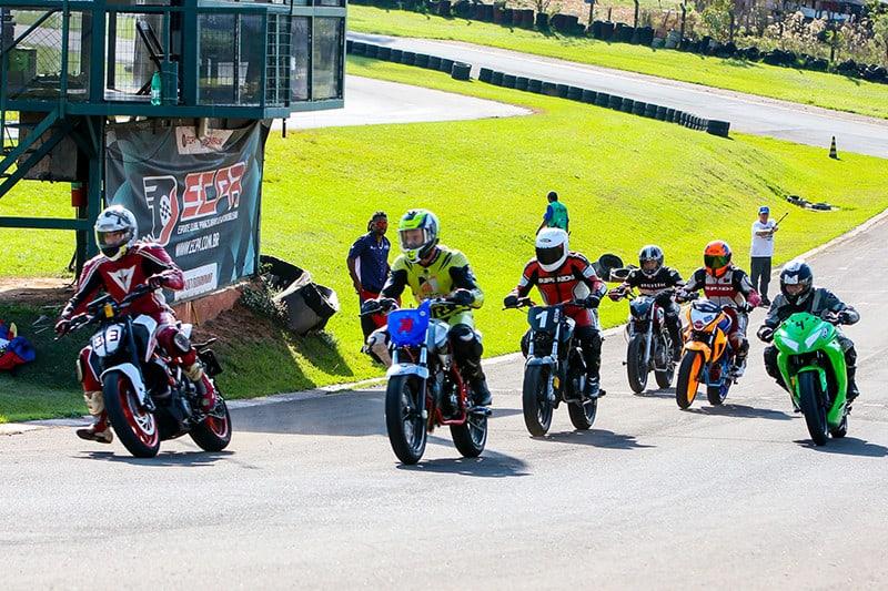 Categorias Speed e Street reúnem modelos como Yamaha Fazer 250, Honda CB 250F Twister, Kawasaki Ninja 300. O objetivo é facilitar o acesso ao esporte