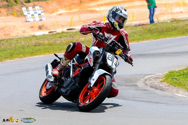A KTM 390 DUKE estreou no brasileiro com vitória