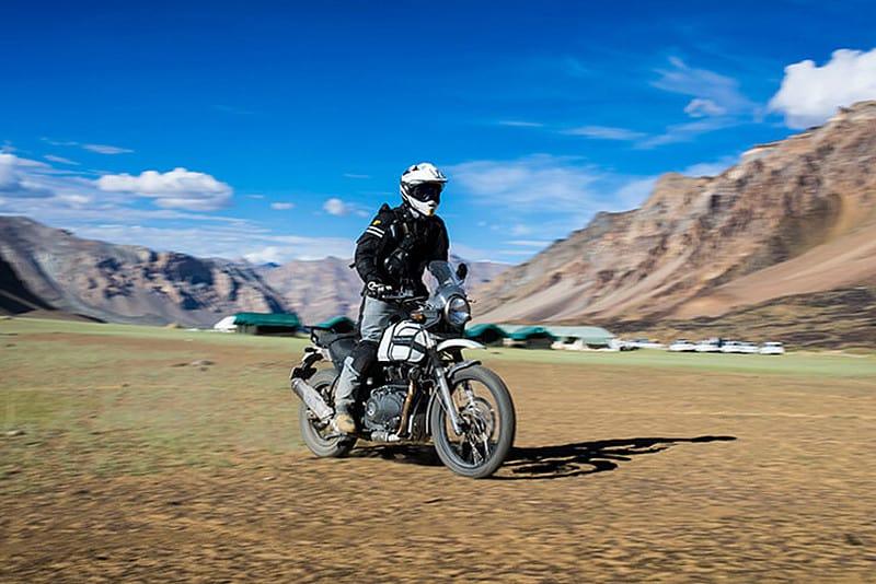 Para a RE, a Himalayan é uma moto 'muito confortável e preparada para qualquer estrada – e até mesmo para onde não há estradas'