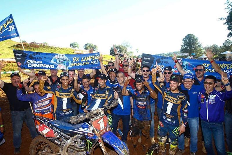 Festa na Yamaha. Equipe faturou o título nas categorias MX2, MX Júnior e MX, através das mãos do pentacampeão Jean Ramos - Foto: Maurício Haas/Yamaha