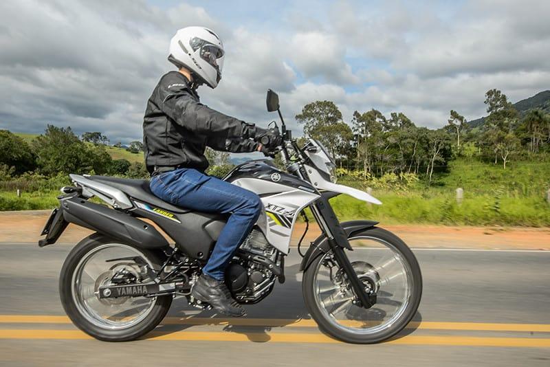 ABS na roda dianteira, farol em LED, painel digital com indicadores de consumo e tanque maior estão entre as principais novidades do modelo