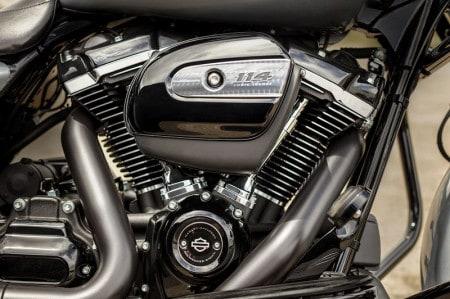 Motor Milwaukee-Eight 114: 1868 cm³ e força de sobra para qualquer viagem