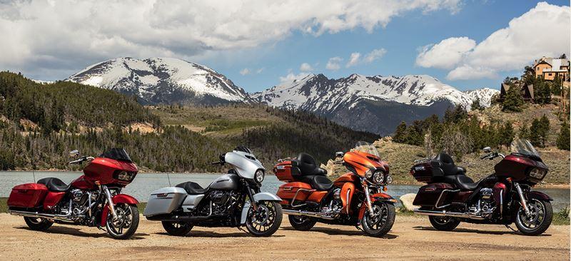 As quatro motos que participaram do test-ride: Road Glide Special, Street Glide Special, Ultra Limited e Road Glide Ultra