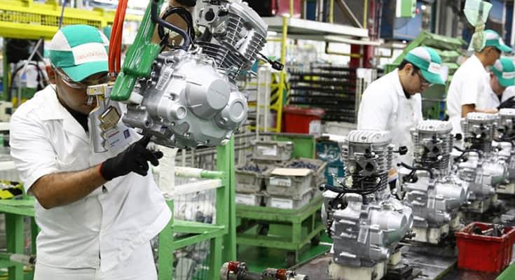 motos-mercado-volta-a-crescer-producao-anual-linha-de-montagem-fabrica