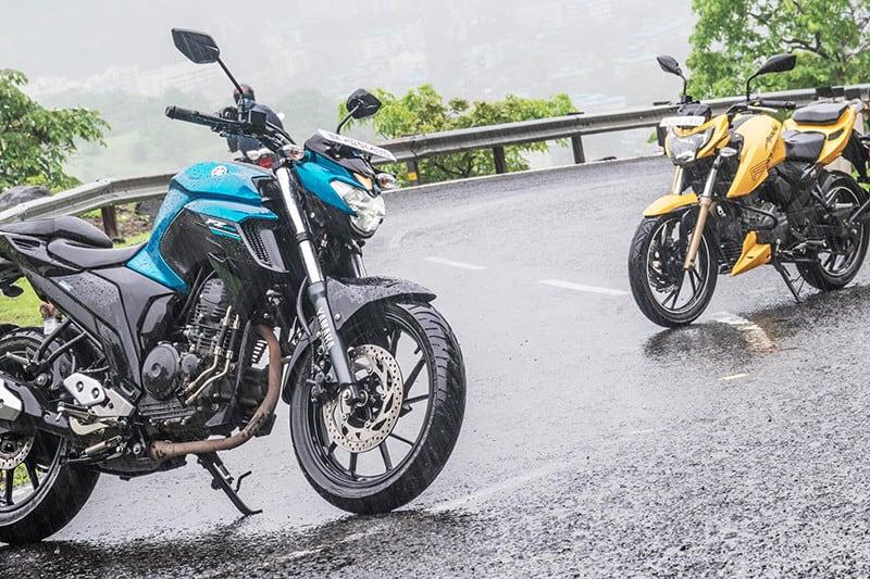 Na Ásia a RTR 200 encara de frente a Yamaha FZ 25 (irmã quase gêmea da nossa Fazer 250). Aqui encontrará KTM 200 DUKE, Honda CB 250F, Fazer e a própria Next 300, mas pode encontrar no preço seu diferencial