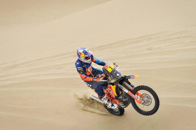 O atual campeão Matthias Walkner fechou o primeiro dia na sétima posição - Foto: Dakar/DPPI