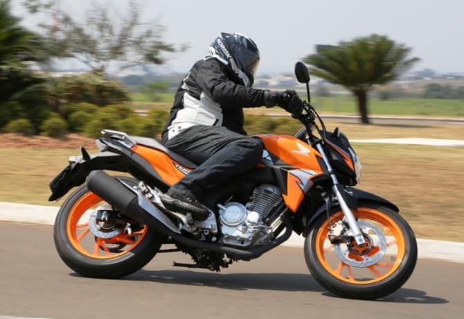 Honda CB Twister: sob medida