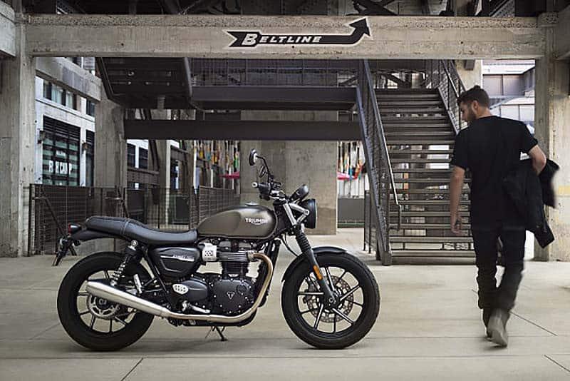 A nova Street Twin (foto) irá reforçar o elenco das clássicas. Para bater as 4.800 motos/anos, Triumph trará novos modelos ao País e vai expandir sua rede de concessionárias