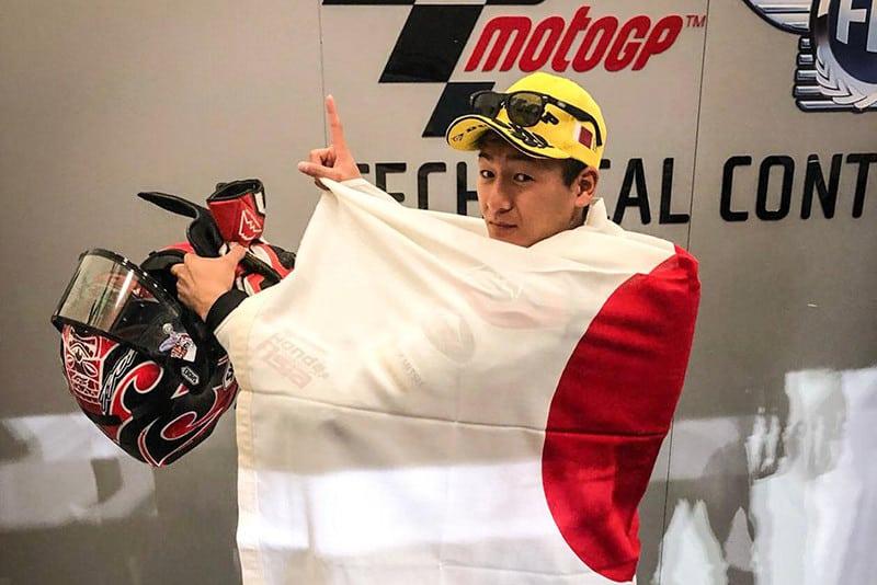 Domínio japonês. Pilotando sua Honda, Kaito Toba conquista a primeira vitória no Mundial de Motovelocidade (e que vitória)