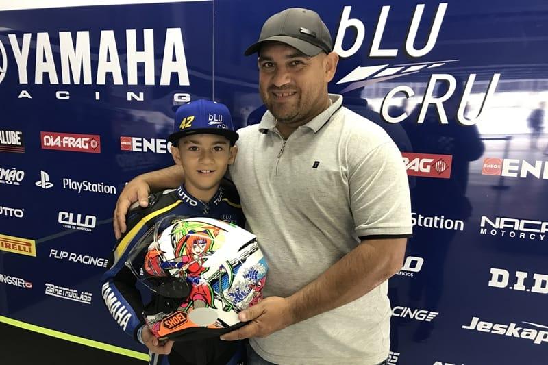 Com o pai, Marcos Salles: confiança plena no talento do filho