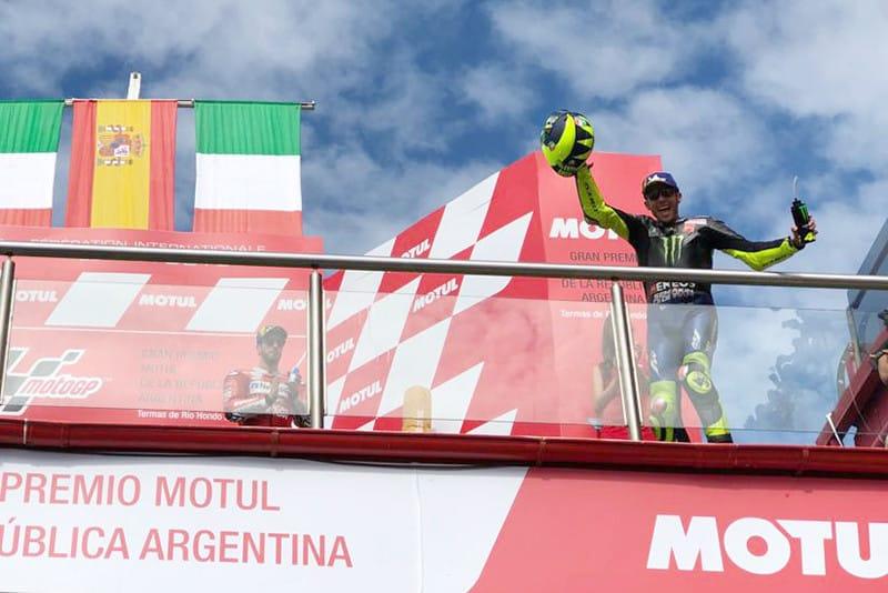 Grande prêmio do Doutor. Altamente competitivo aos 40 anos de idade, Valentino Rossi tem absurdos 233 pódios na carreira
