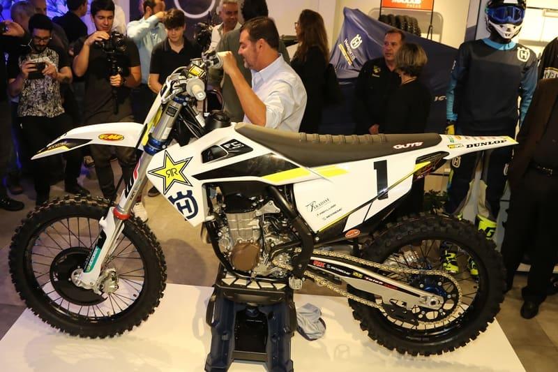 O lançamento: série especial FC450 Rockstar para motocross