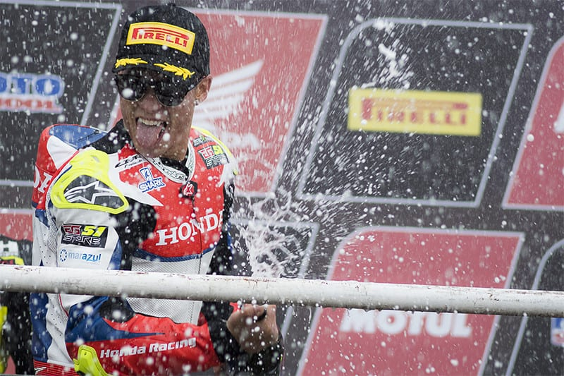 Granado acerta na escolha de pneus e vence a segunda etapa do SuperBike Brasil com ampla vantagem - Foto: Ricardo Santos / Mundo Press