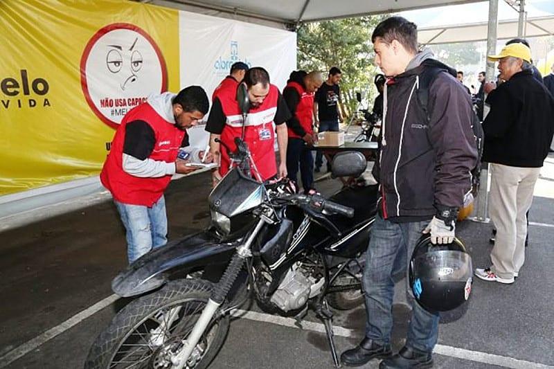 Serviço vistoria gratuitamente mais de 20 itens de cada motocicleta