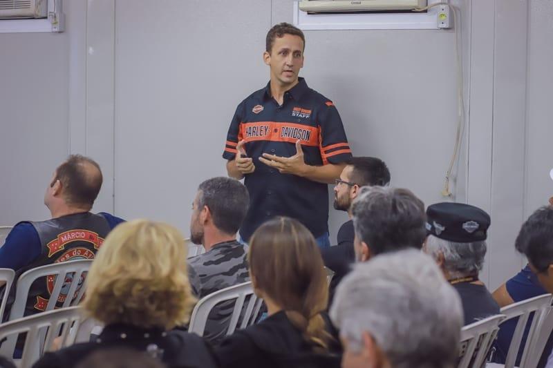 Empresas associadas à Abraciclo oferecem palestras sobre segurança e pilotagem defensiva durante o MotoCheck-Up
