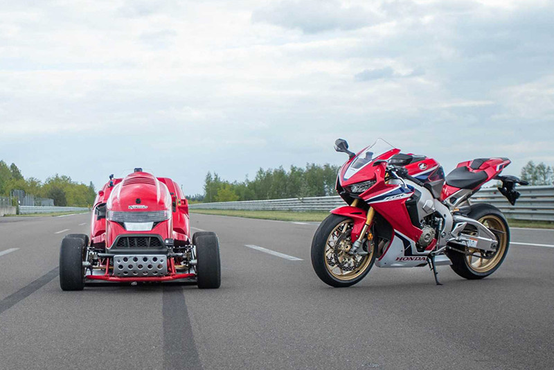 Com os 200cv da CBR 1000RR Fireblade e menos de 70 kg, Honda quebra recorde de velocidade com cortador de grama