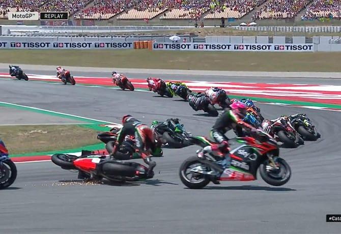 MotoGP: 11 pilotos ficam pelo caminho na Catalunha