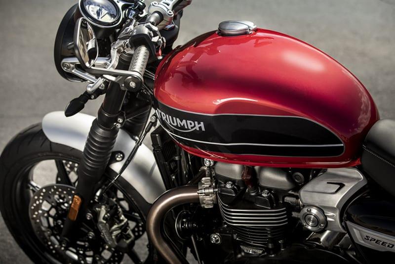 nova-triumph-speed-twin-motonline-6