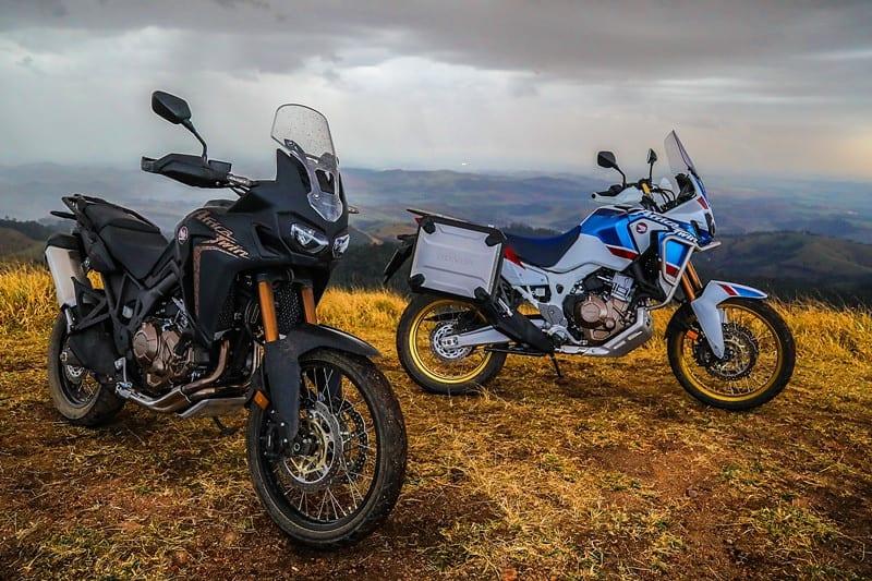 A nova Africa Twin recebeu o aguardado aporte tecnológico e continua sendo uma modo robusta, forte, com muito torque ao menor movimento da mão direita. Sem dúvidas, ela é a mais trail de todas as big
