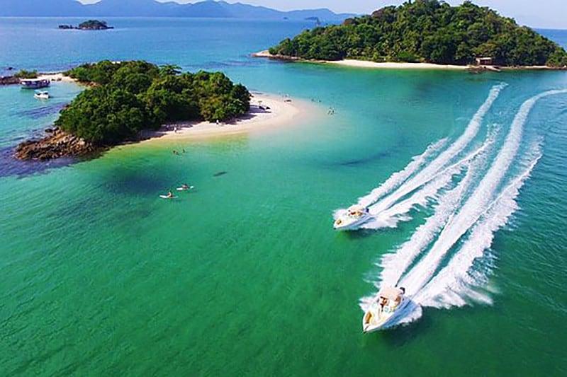 Angra dos Reis dispensa apresentações. Cidade com praias paradisíacas recebe o Angra Moto Fest 2019 de 25 a 28 de julho