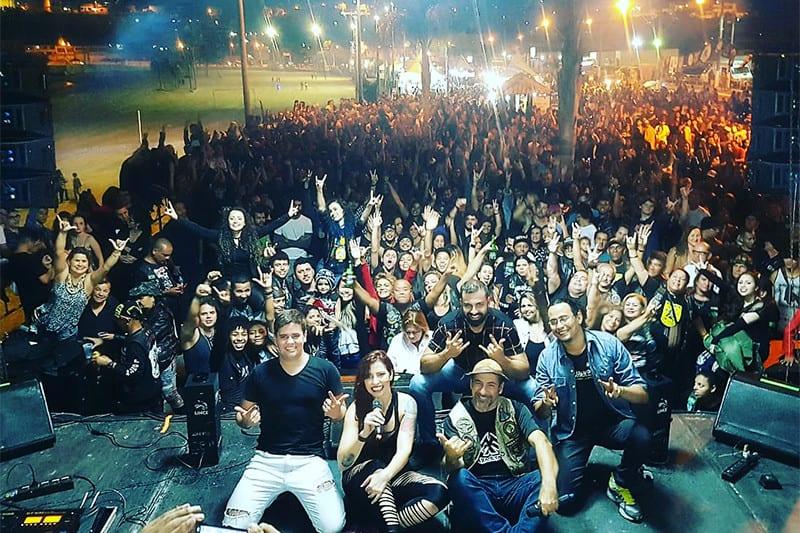 O rock n roll está garantido por 13 bandas, que sobem ao palco ao longo de quatro dias. A Faixa Etária (foto) se apresenta no sábado, às 20h
