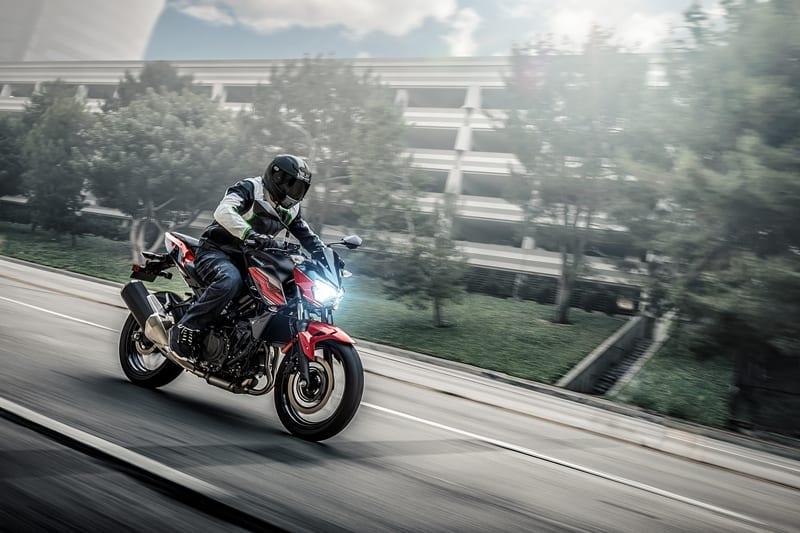 Festival Duas Rodas apresenta Kawasaki Z 400 e Yamaha R-3