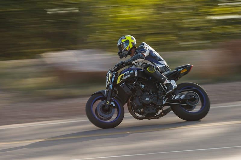 Rafael Paschoalin, pilotando sua valente Yamaha MT 07, é o primeiro brasileiro a conquistar o Pikes Peak International Hill Climb, uma das mais tradicionais subidas de montanha do mundo