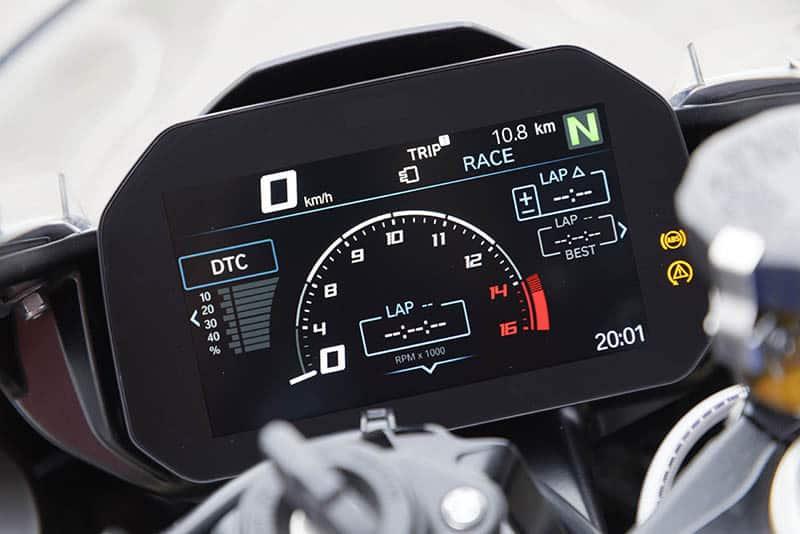 BMW S 1000 RR Pacote M chega ao mercado brasileiro