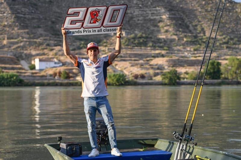 Os números de Márquez lembram os de Rossi no início dos anos 2000. São 200 provas, 129 pódios, 78 vitórias e 89 poles, além de 7 títulos... aos 26 anos