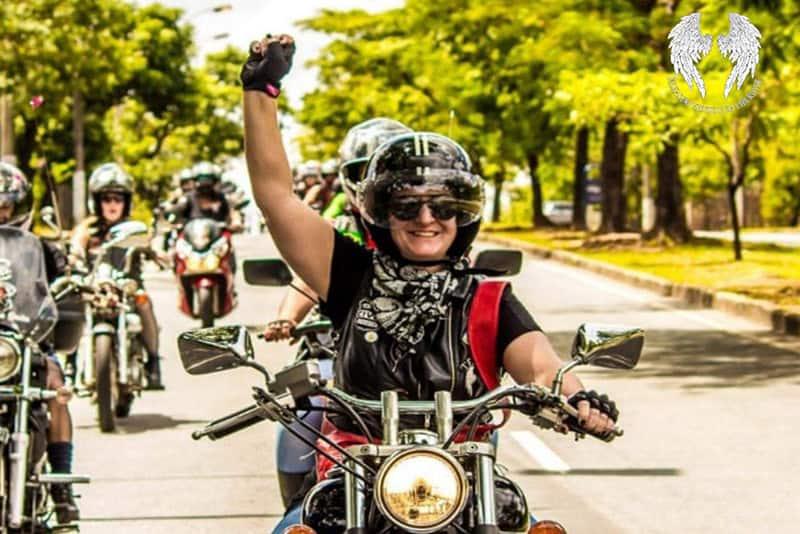 Telma Crummenauer começou a pilotar motos aos 46 e, para celebrar os 50, está pronta para conhecer o Atacama