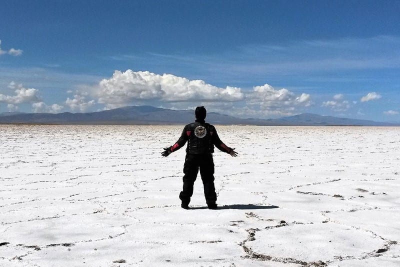 Com 65 países no currículo, Gean Neide é a mais experiente do grupo e tem a missão de conduzir as Rosas do Deserto