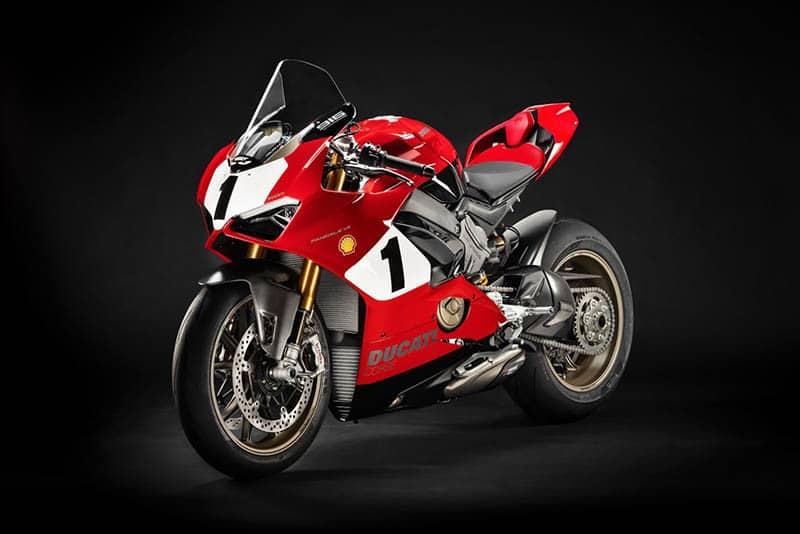 A Ducati vai abrir sua caixa de máquinas dos sonhos em casa, no Salão de Milão. Entre os destaques uma edição especial, limitada a 500 unidades, da novíssima V4 S (foto)