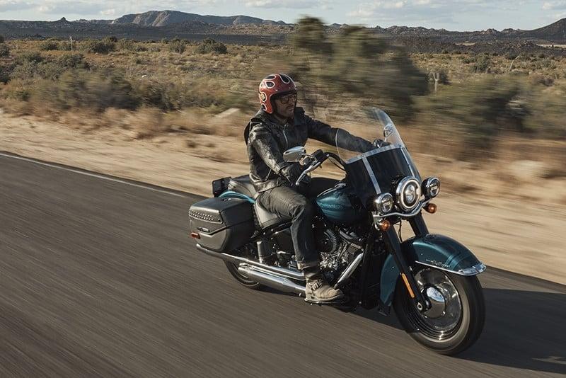 Harley-Davidson Heritage Classic: uma touring entre as softtail